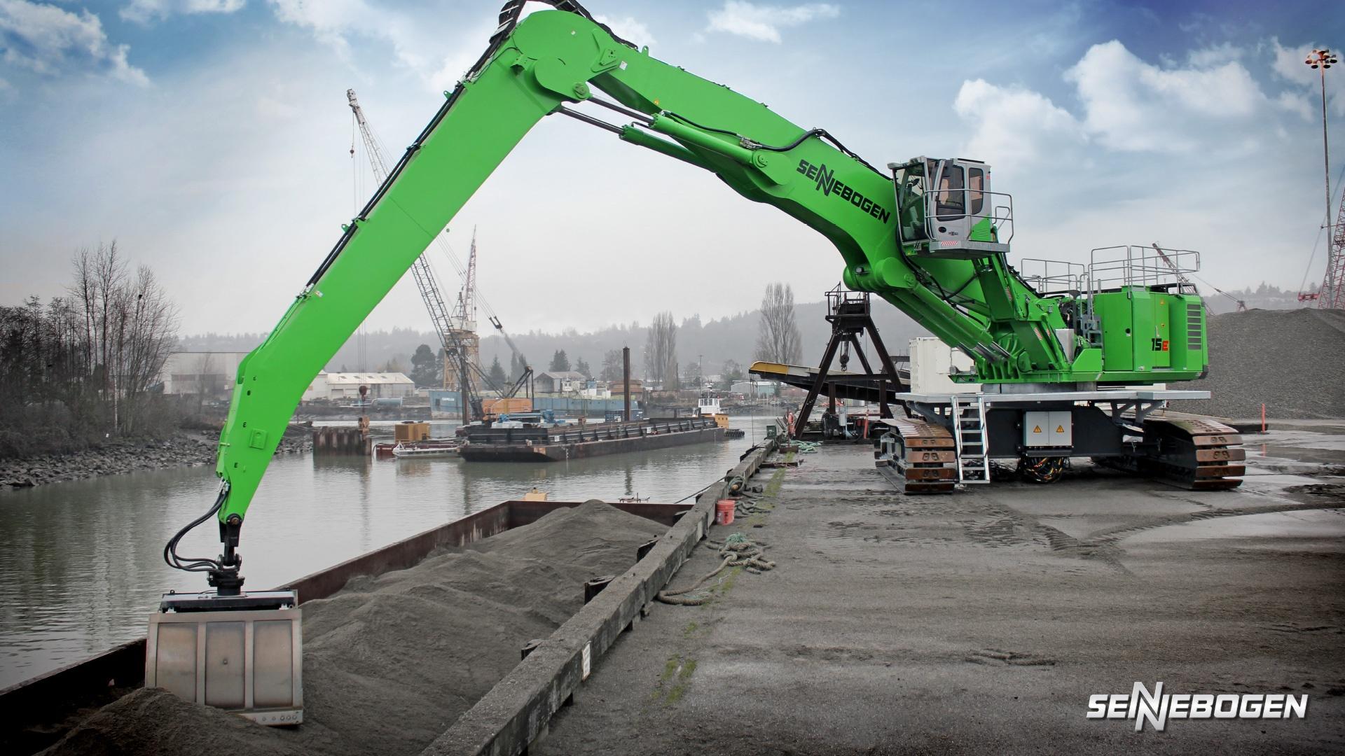 Port equipment maintenance, port equipment, sennebogen